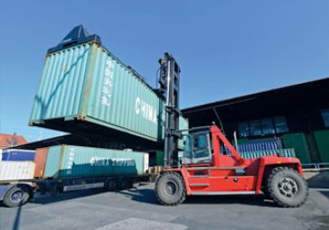3_2_Container_Transport_Handling_0955.jpg